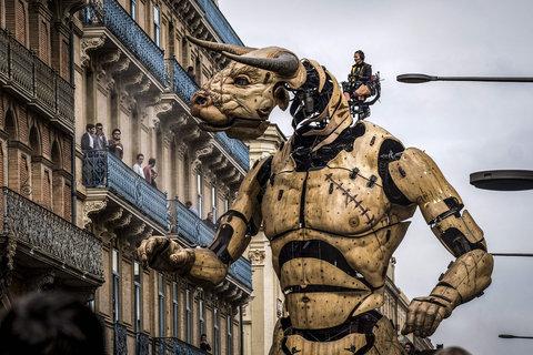 تئاتر خیابانی در شهر تولوز فرانسه