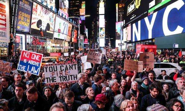 تظاهرات مردم آمريكا در حمايت از ادامه كار كميسيون مولر