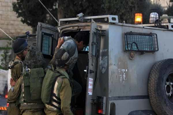 یورش نظامیان صهیونیست به نمازگزاران فلسطيني