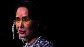 عفو بینالملل جایزه سفیر وجدان را از آنگ سان سوچی پس گرفت