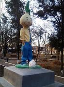 مجسمه لنین در اوکراین جای خود را به پیاز داد