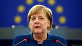 آنگلا مرکل خواستار ایجاد ارتش واحد و شورای عالی امنیت اروپا شد