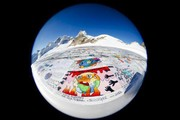نمایش بزرگترین کارت پستال جهان در کوههای سوییس
