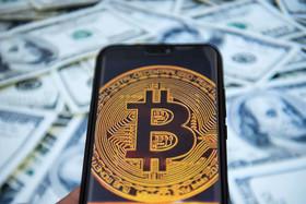 سقوط آزاد قیمت بیتکوین به پرتگاه ۵۰۰۰ دلاری
