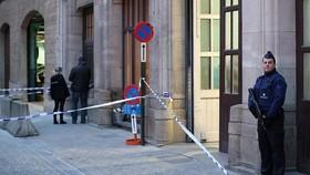حمله با چاقو به پلیس در مرکز بروکسل