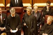 نامه سرگشاده دهها قاضی استرالیایی برای مبارز با فساد گسترده