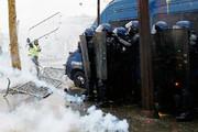 گسترش اعتراضها در فرانسه | تعطیلی دهها مدرسه ؛ کمبود سوخت در مناطق غربی