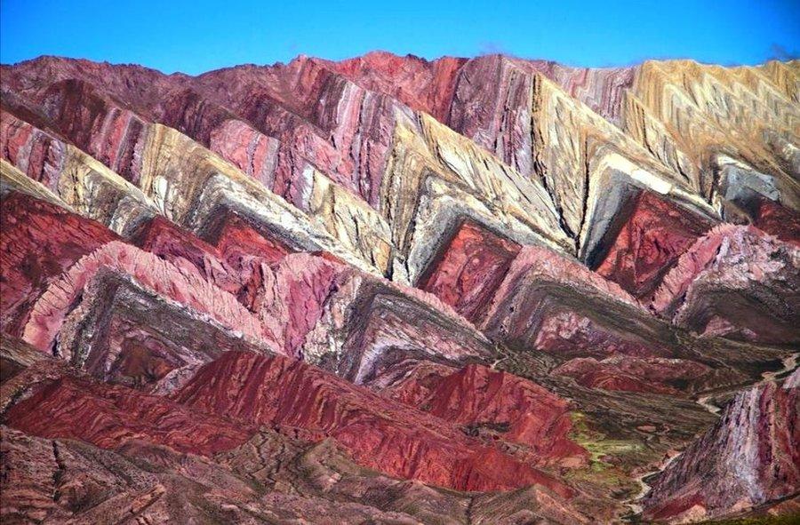 عکس | کوههای رنگین کمانی در عکس روز نشنال جئوگرافیک