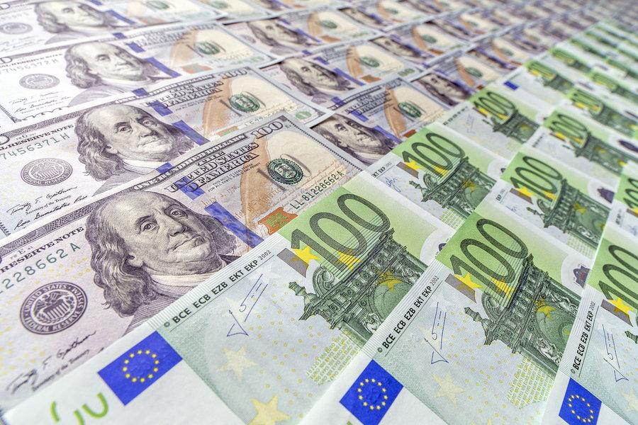 افت ۲۰ هزار تومانی قیمت سکه   ورود دلار به دامنه ۱۰ هزار تومان