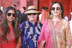 عروسی لاکچری دختر پولدارترین مرد هند مقابل دیدگان میلیونها فقیر هندی