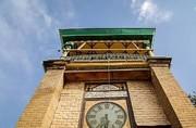 ساعت مسجد مشیرالسلطنه از کبوترها آسیب میبیند