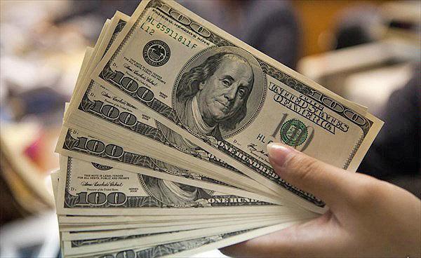 چهارشنبه ۲۹ خرداد | قیمت خرید دلار در بانکها؛ دلار بانکی کم شد