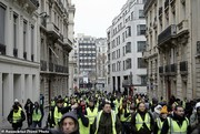 جلیقه زردها در پنجمین شنبه اعتراضی | پلیس فرانسه دهها نفر را بازداشت کرد
