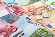 دوشنبه یکم بهمن   قیمت ارز مسافرتی؛  یورو ۱۳۵۱۷ تومان شد