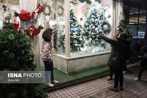 خرید کریسمس در تهران (عکس)