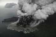 آتشفشان ۱۵۰ میلیون مترمربع از جزیره اندونزی را بلعید
