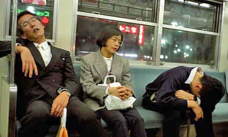 كارمندان كم خواب ژاپني