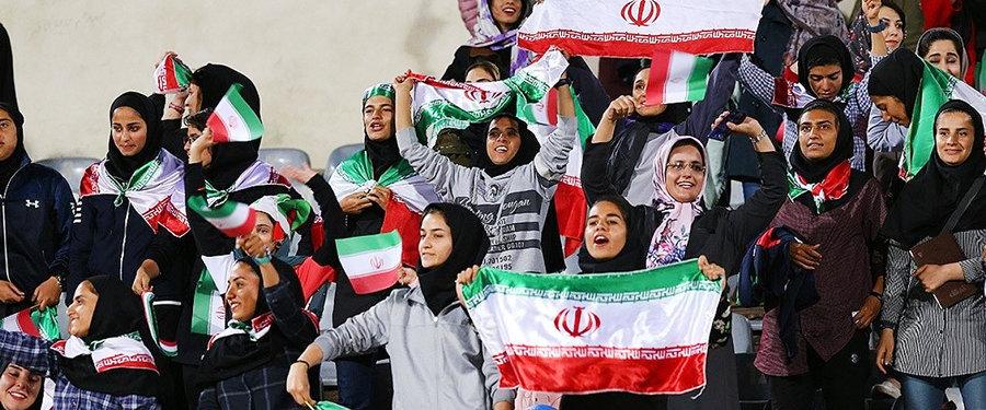 زنان ورزشگاه