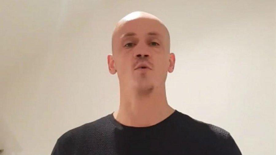 «مشتزن جلیقه زردها» در زندان میماند