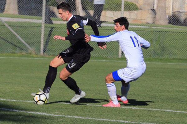 تیم فوتبال استقلال برابر نماینده رومانی شکست خورد