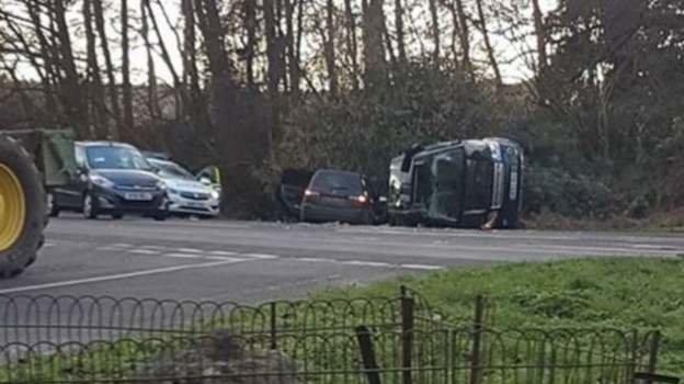 همسر ملکه بریتانیا از یک تصادف رانندگی جان سالم به در برد