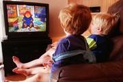 مضرات تماشای صفحههای نمایش برای کودکان