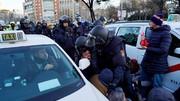 درگیری پلیس اسپانیا با رانندگان معترض به تاکسیهای اینترنتی