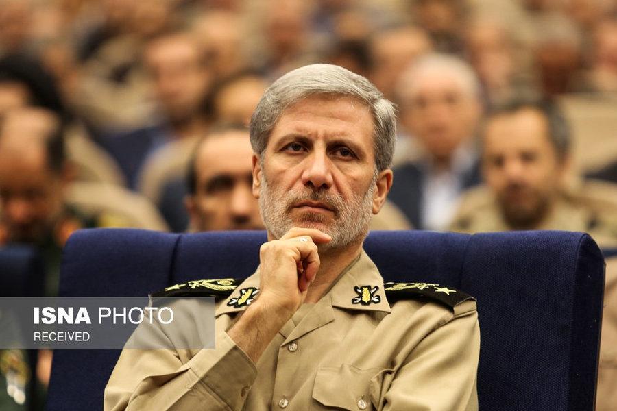 وزیر دفاع: دشمن تصمیمی جدی برای ایجاد محرومیت در کشور دارد
