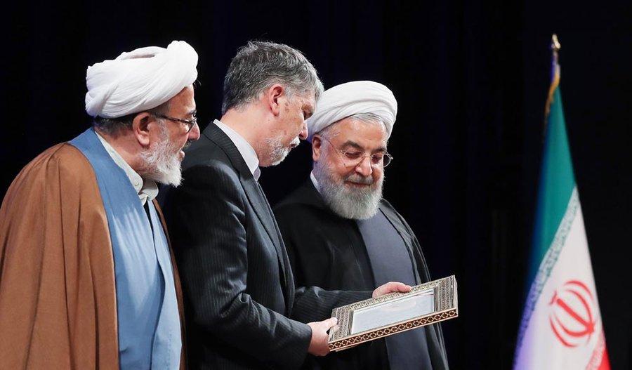 روحانی: با هیچ سانسور و فیلتری نمیتوانیم جلوی سوال و شبهه را بگیریم