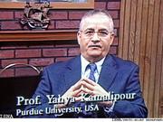 پیام پروفسور کمالیپور به دکتر شکرخواه به خاطر جایزه بینالمللی روابط عمومی