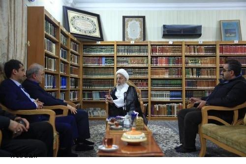 ديدار وزير بهداشت با مكارم شيرازي