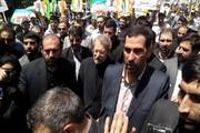 رییس مجلس در صفوف راهپیمایان ۲۲ بهمن