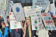 تظاهرات محیط زیستی دانشآموزان ابتدایی در انگلیس