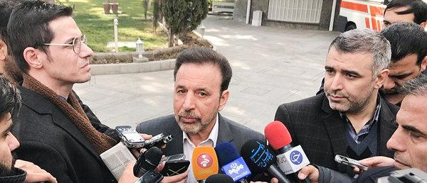 رئیس دفتر روحانی: با معیشت مردم سیاسی بازی نمیکنیم