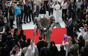 فیلم  ربات خوشامدگوی نمایشگاه دفاعی ابوظبی