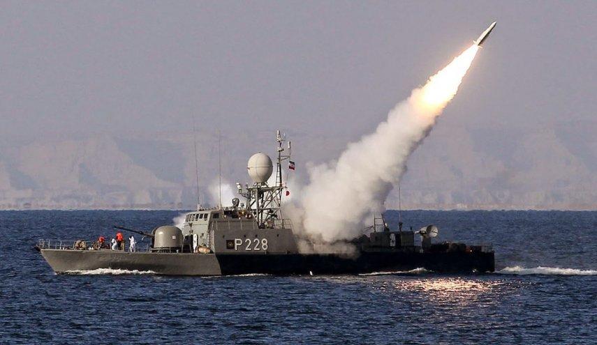 آغاز رزمایش دریایی ولایت 97/ شلیک موشک از زیردریایی برای نخستین بار