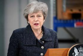 نخستوزیر انگلیس سال نو را تبریک گفت