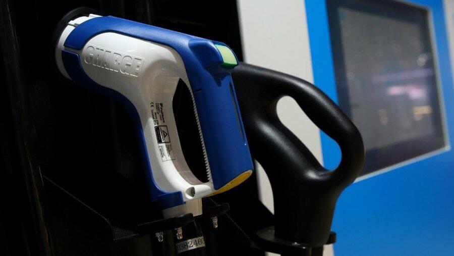 عفو بینالملل: خودروهای الکتریکی برای محیط زیست و حقوق بشر مخرب است