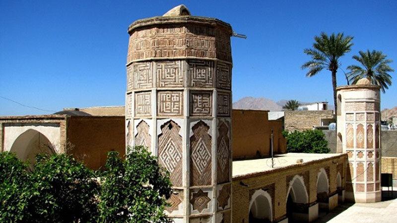 مسجد جامع داراب، تنها مسجد ۴ مناره جهان