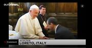 ماجرای بوسیدن انگشتر پاپ