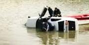 نجات جان سرنشینان خودروی غرق شده در رودخانه توسط پلیس در میانه