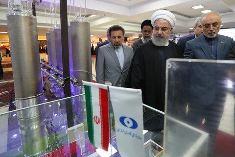 بازدید رئیس جمهور از نمایشگاه دستاوردهای فناوری هسته ای