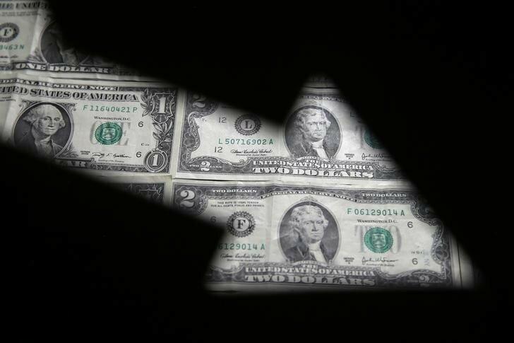 دلایل کاهش سلطه دلار بر بازارهای جهانی