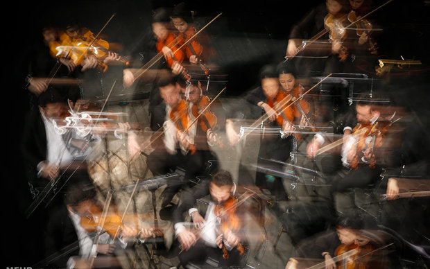 گروه کُر اپرای سوئیس در تالار وحدت کنسرت میدهد