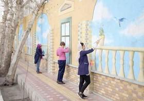 رنگ هنر بر دیوارهای محله