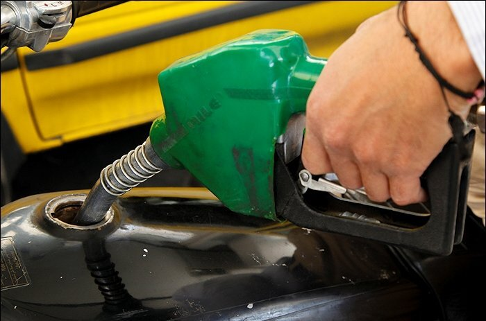 مجلس مخالف سهمیهبندی و افزایش قیمت بنزین است