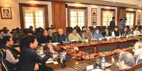 زلزله سیاسی در کابینه پاکستان؛ ۷ وزیر جابجا شدند