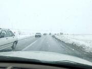 بارش برف و باران در محورهای ۱۴ استان | ترافیک نیمهسنگین در آزادراه قزوین–کرج