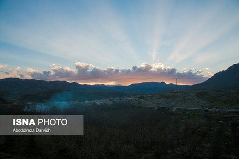 روستای دژکرد نزدیک ترین روستا به منطقه تنگ بُراق است