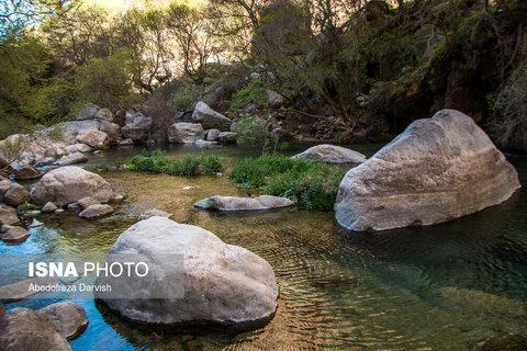 حوضچه های نزدیک به آبشار اصلی تنگ بُراق
